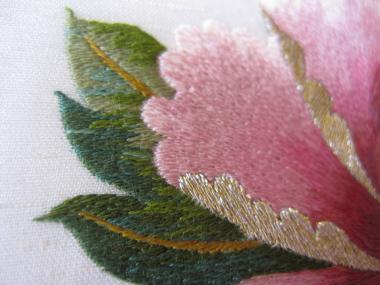 ピンクの牡丹 葉