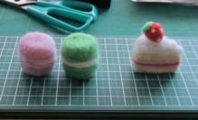 羊毛フェルト (10)マカロンとケーキ