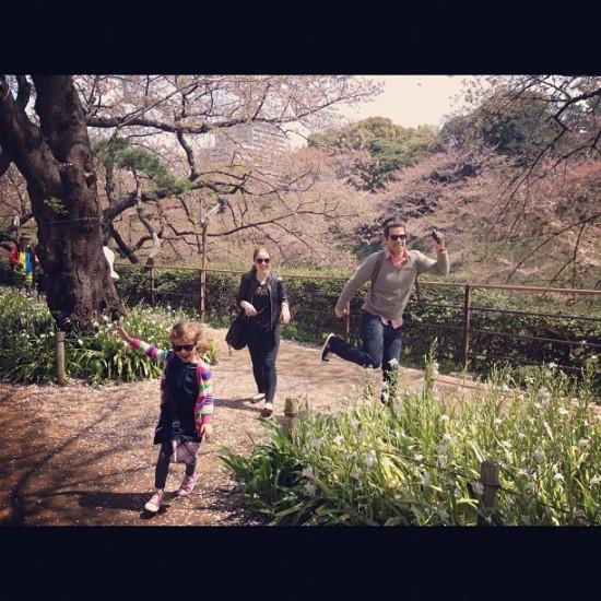 ジェシカ・アルバがツイッターに日本滞在中の写真を公開!