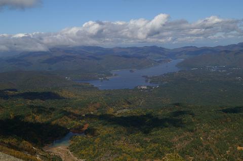09.10.15磐梯山より桧原を望む