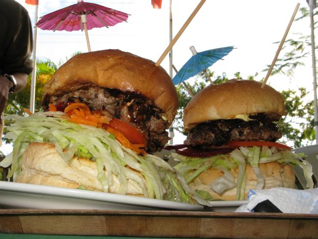 2306巨大ハンバーガー