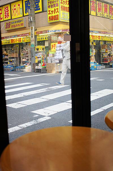 11-11-8-akiba-05.jpg