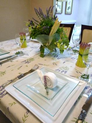 ラベンダーのテーブル