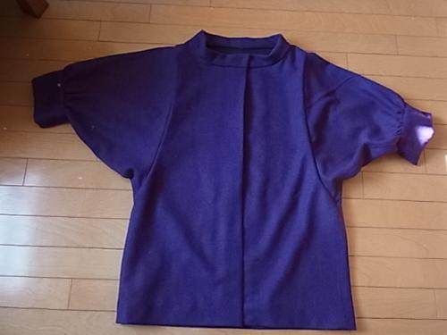 紫ドルマンスリーブの上着