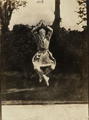 ニジンスキー バレエ 跳躍 写真 ジャンプ