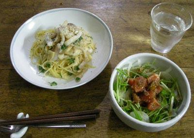 今夜はイタリアン!イカたっぷりの明太子スパゲティと水菜のサラダ。2007.12.21