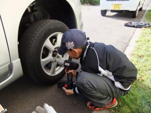 タイヤ交換①