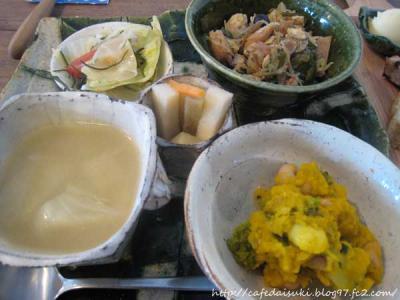 YATSUDOKIYA CAFE◇キッシュプレート(惣菜)
