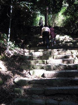 登る:長命寺