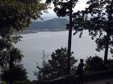 太郎坊神社から見た琵琶湖:長命寺