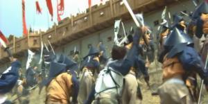 一勢に真田丸に攻めかかる前田軍