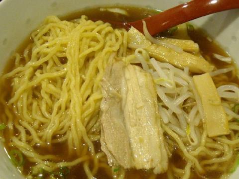千滋百味・醤油ラーメン 麺