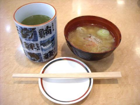 丸寿司・味噌汁