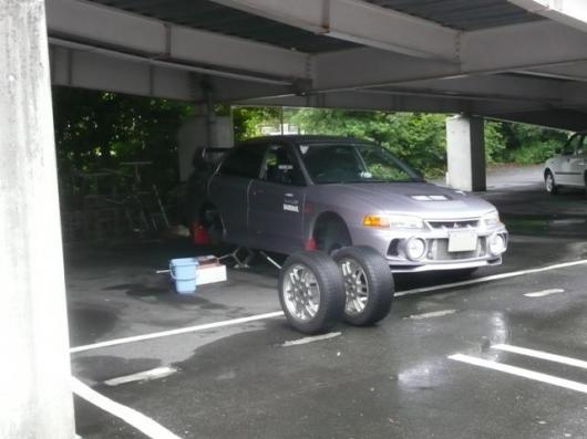 ショッピングセンター駐車場(2)