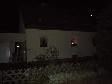 P1020124 ホッペガルテン窓辺の灯り2