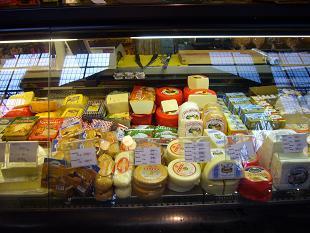 P1020885  中央市場  チーズ