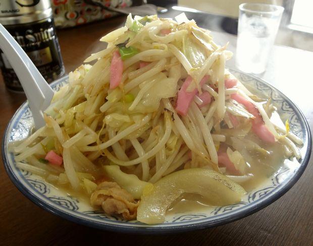 『井手ちゃんぽん  小戸店』ランチ「Bセット(並盛で900円)」の、「ちゃんぽん」