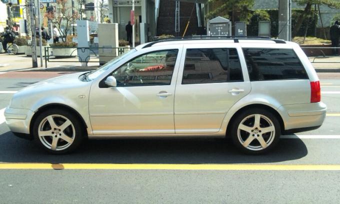 VW GOLF_20110331