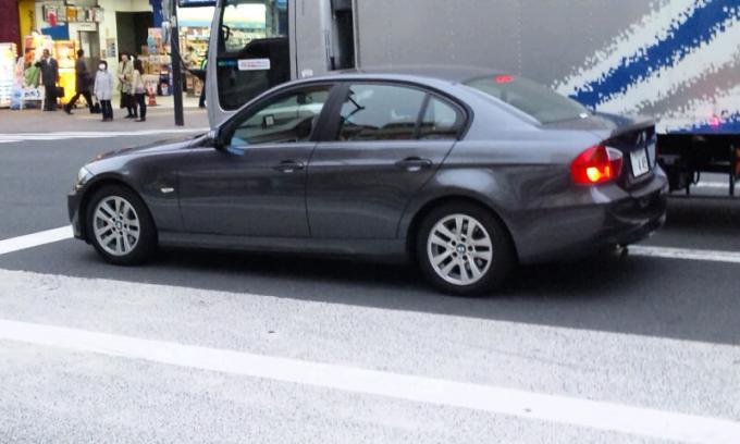 BMW  3 SERIES_20110408