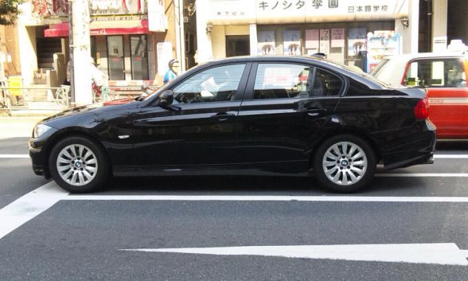 BMW 320i New_20110424