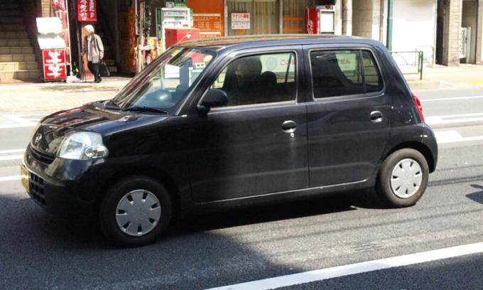DAIHATSU ESSE_20110424