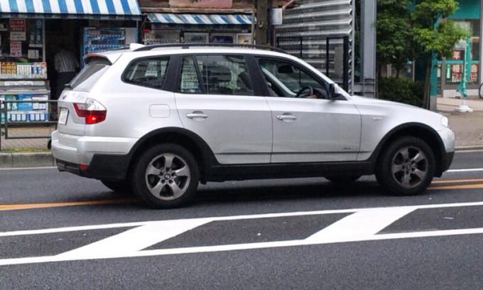 BMW  X 3_20110614