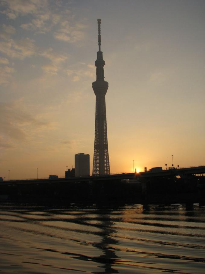 朝焼けのスカイ・ツリー_20111115