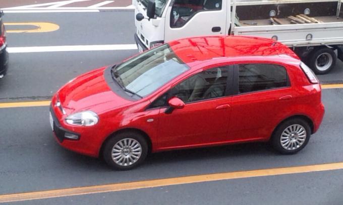 FIAT  GRANDE  PUNTO_20120215