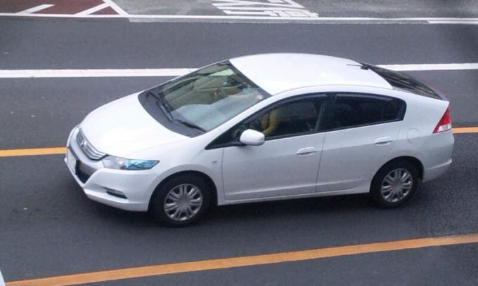 HONDA  INSIGHT_20120226
