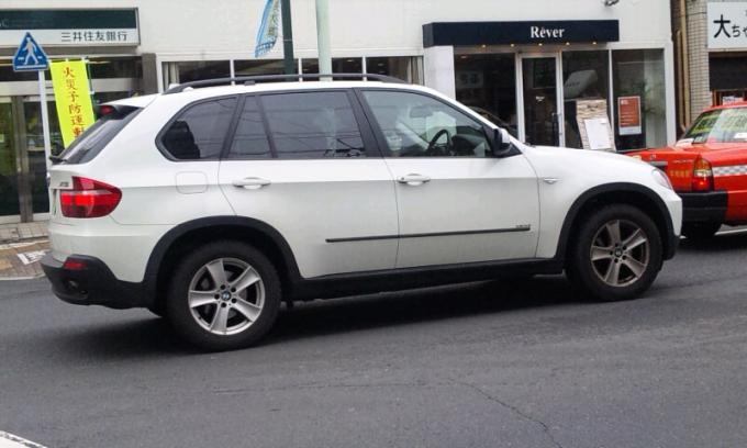 BMW  X 5_20120308
