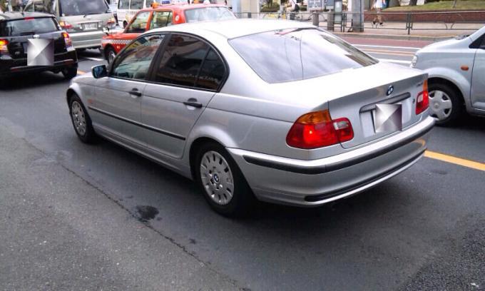 BMW  318i_20110707