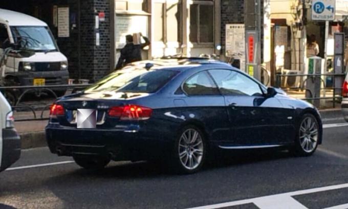 BMW    335i_20111204