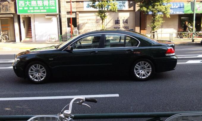 BMW   745  i_20111123