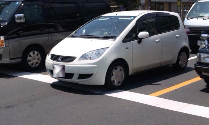 MITSUBISHI  COLT_20110628