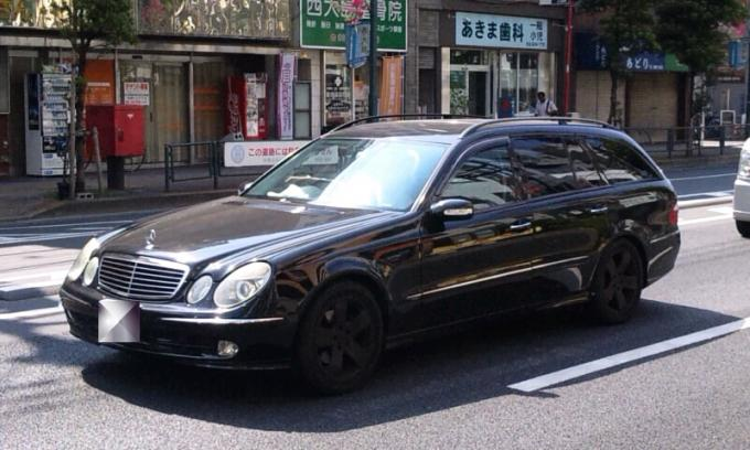 BENZ  E  320  ESTATE_20110714