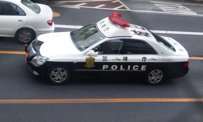 POLICE   CAR_20120123