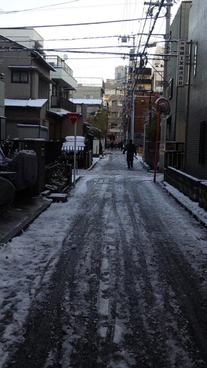 SNOW   ROAD_20120124
