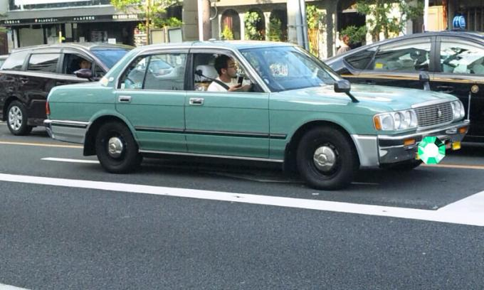 TOYOTA  CROWN_20110721