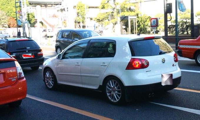 VW    GOLF_20111204