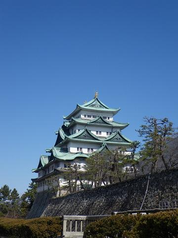 青空と名古屋城