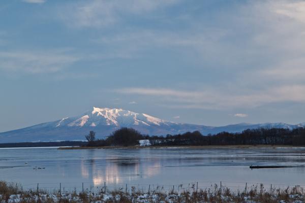 斜里岳と濤沸湖