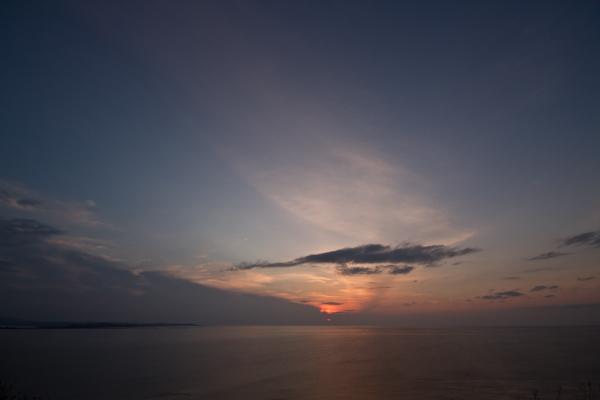 夕日は雲中へ