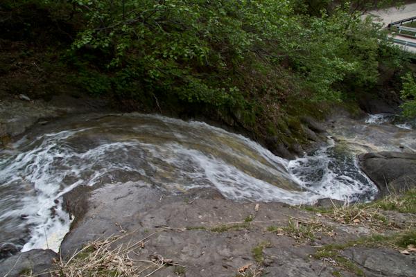 カムイワッカ湯の滝へ