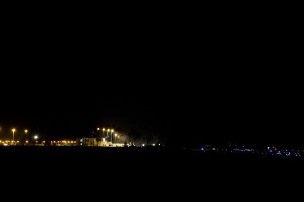 女満別空港の夜