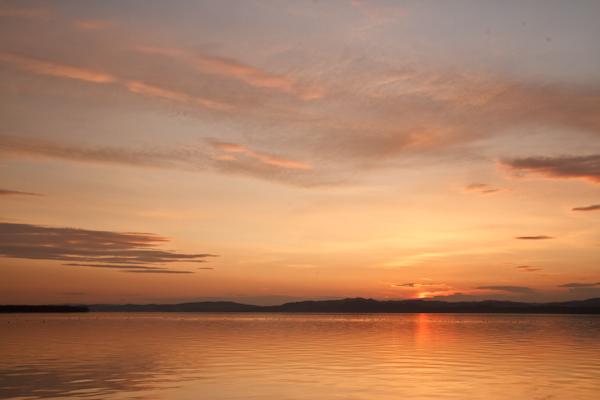南西方向だけの夕焼け 網走湖