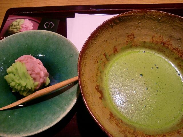 京都茶寮の抹茶とお菓子