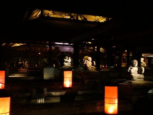 クラブメッド 玄関(夜)