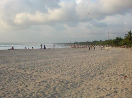 インドネシア ビーチ