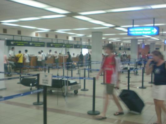 インドネシア バリ デンバザール国際空港