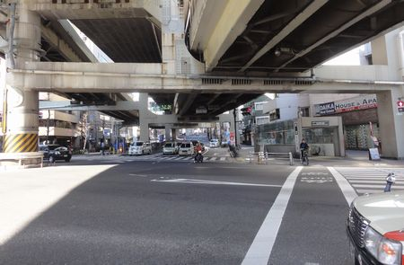 新一の橋交差点
